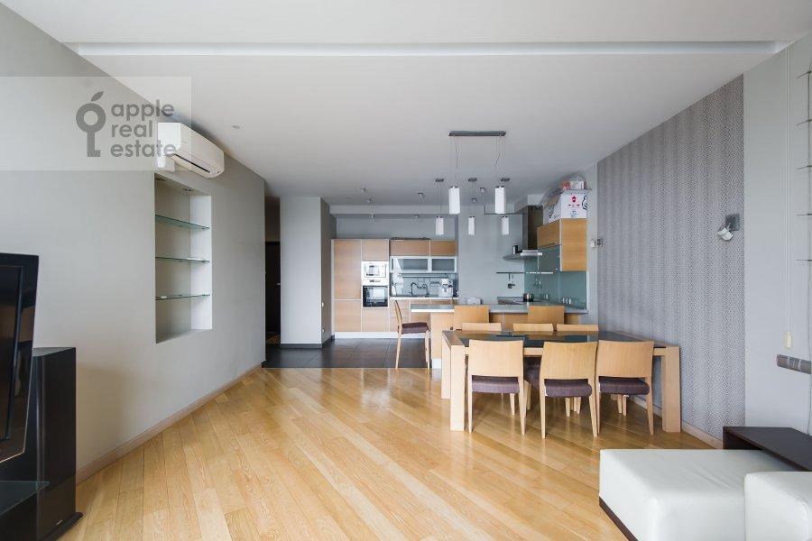 Living room of the 4-room apartment at Aviatsionnaya ulitsa 79k1