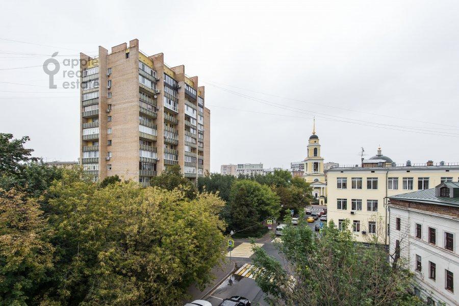 Вид из окна в 4-комнатной квартире по адресу Скатертный переулок 18