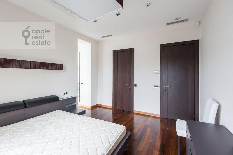 Спальня в 4-комнатной квартире по адресу Скатертный переулок 18