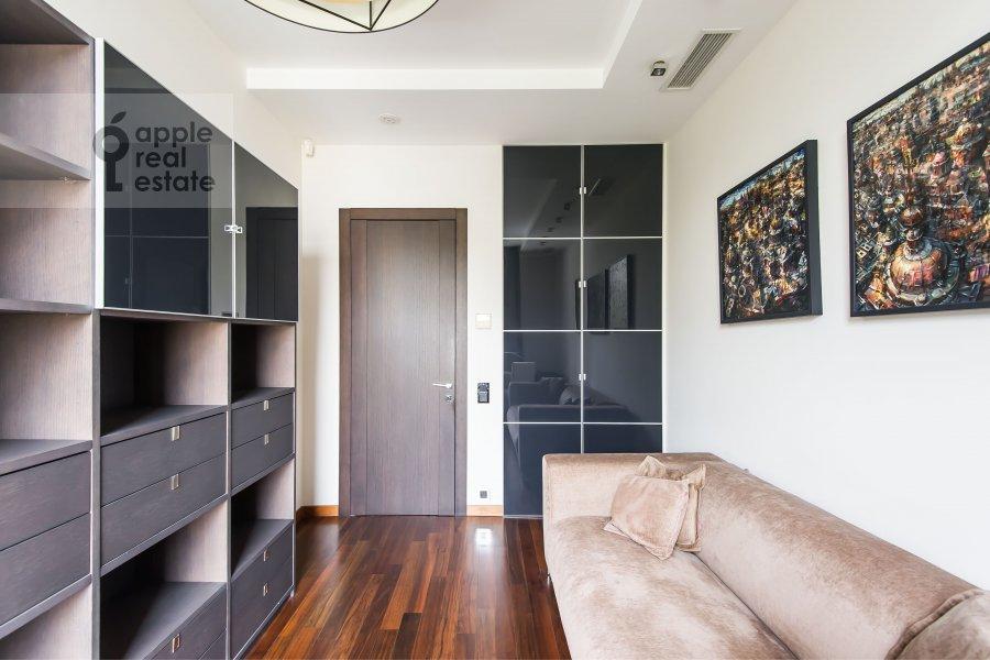 Детская комната / Кабинет в 4-комнатной квартире по адресу Скатертный переулок 18