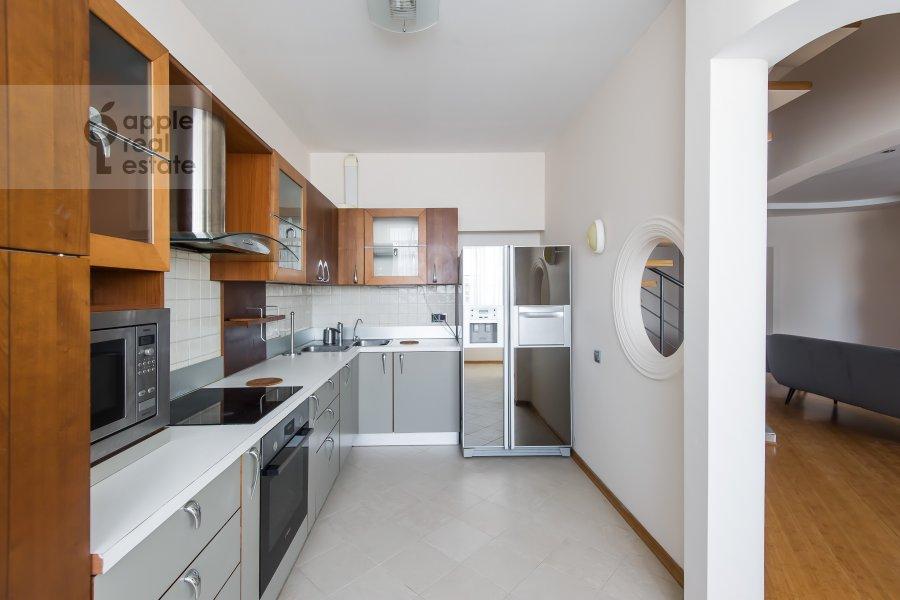 Кухня в 5-комнатной квартире по адресу Красная Пресня 21