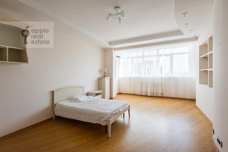 Спальня в 5-комнатной квартире по адресу Красная Пресня 21