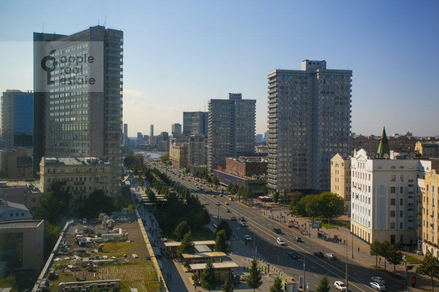 Вид из окна в 2-комнатной квартире по адресу Новый Арбат 15