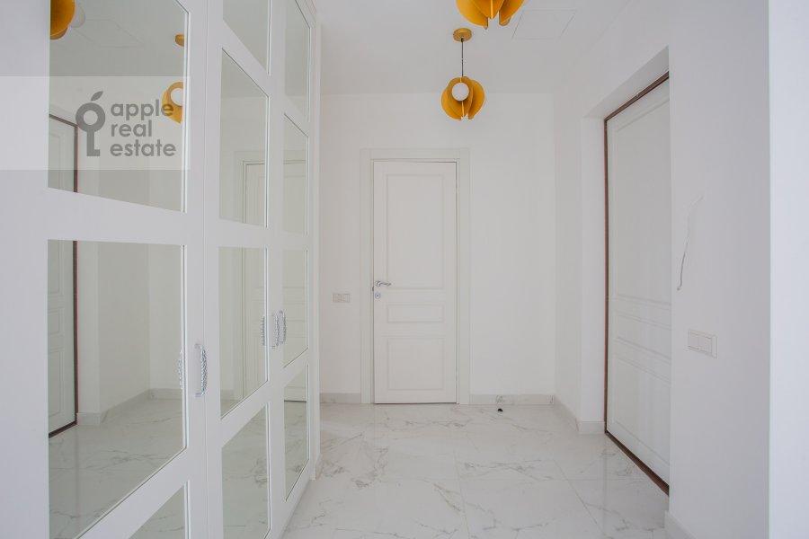 Corridor of the 3-room apartment at Leninskiy prospekt 38Ak3