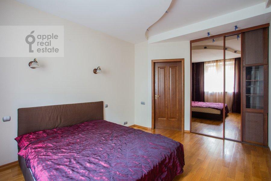 Спальня в 5-комнатной квартире по адресу 4-я Парковая улица 13