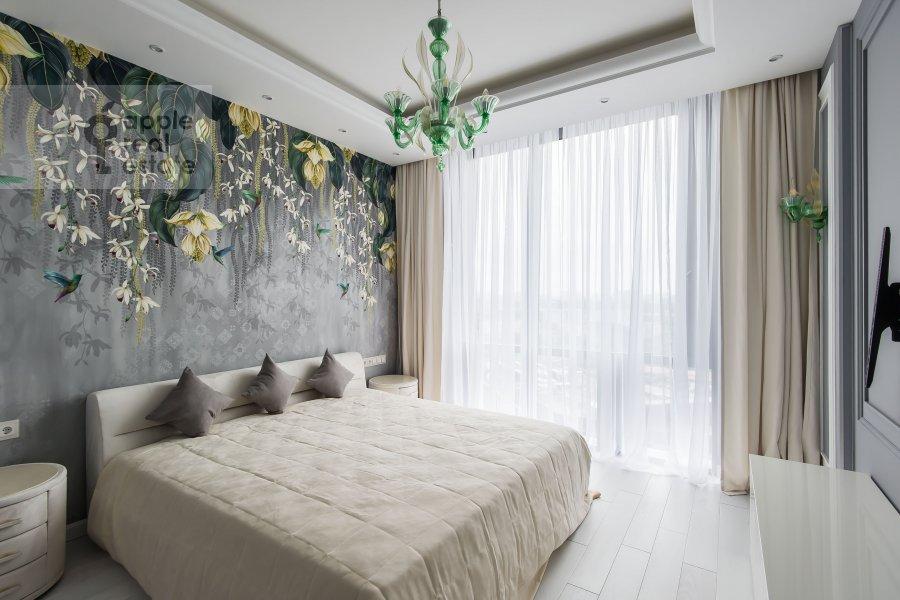 Спальня в 4-комнатной квартире по адресу Мосфильмовская улица 8