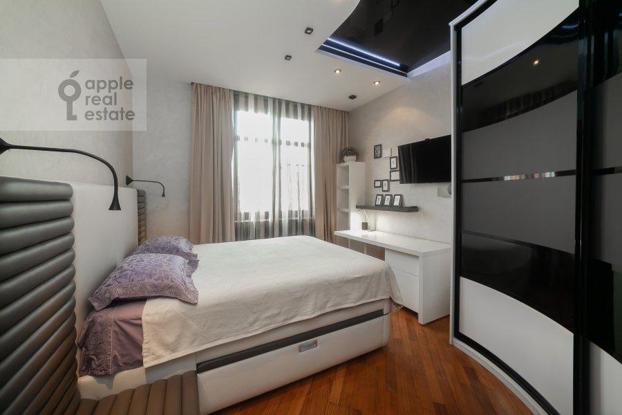 Bedroom of the 5-room apartment at Krasnoproletarskaya ulitsa 7