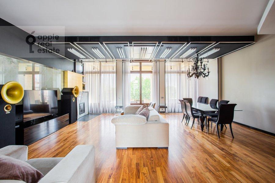 Гостиная в 6-комнатной квартире по адресу Большой Левшинский переулок 11
