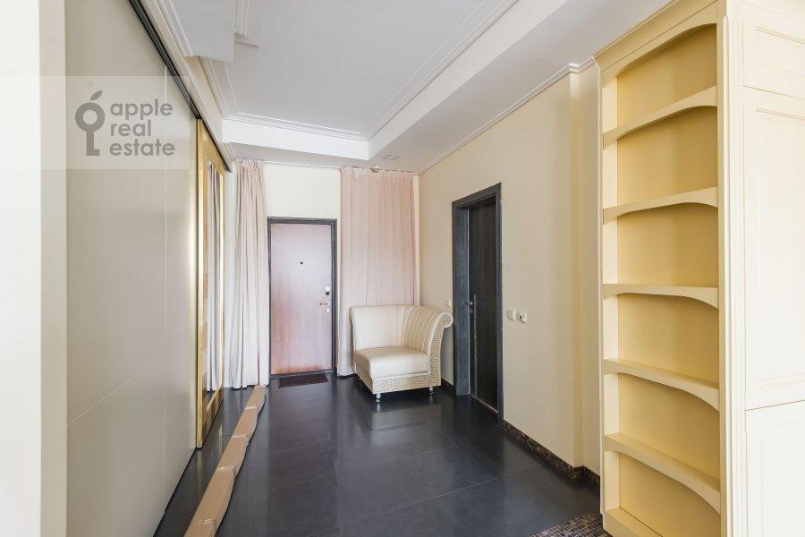 Corridor of the 3-room apartment at Staropimenovskiy pereulok 10