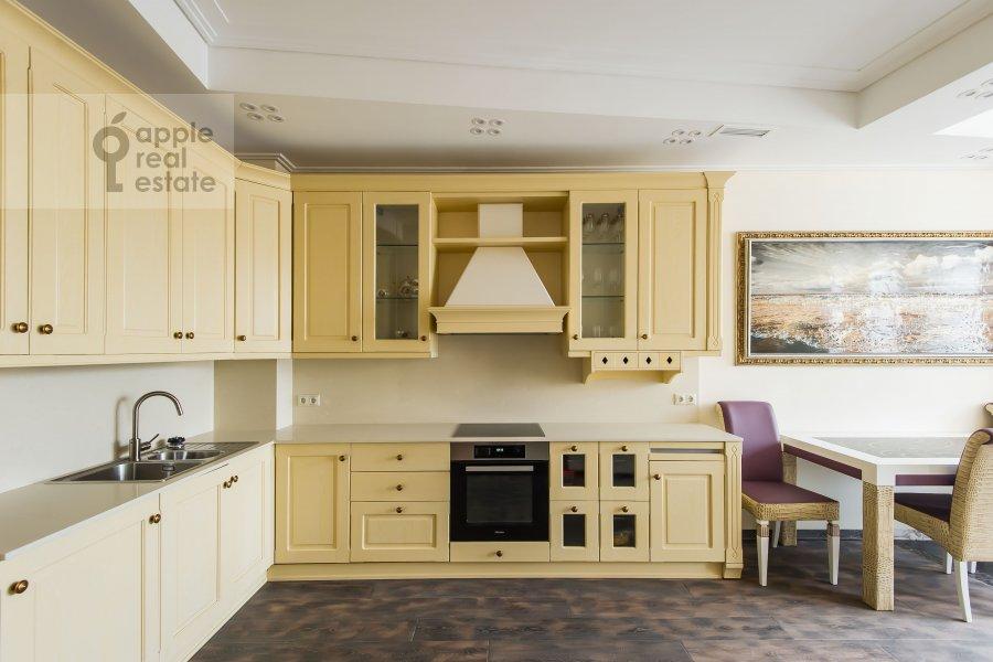 Kitchen of the 3-room apartment at Staropimenovskiy pereulok 10