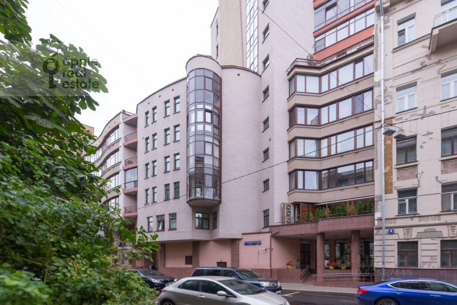 Photo of the house of the 3-room apartment at Staropimenovskiy pereulok 10