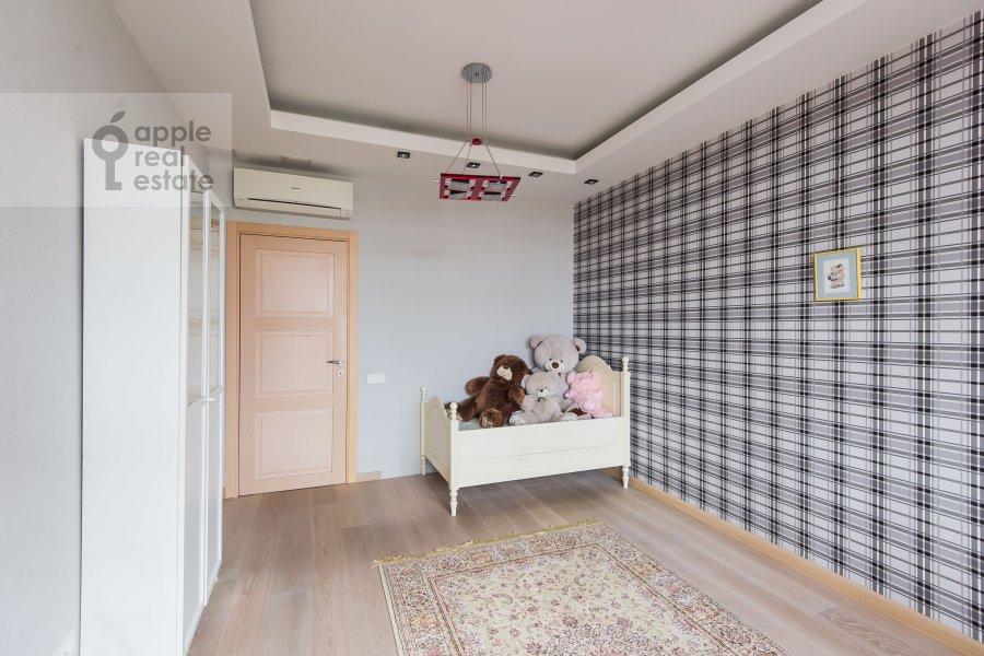 Children's room / Cabinet of the 3-room apartment at Michurinskiy prospekt 3