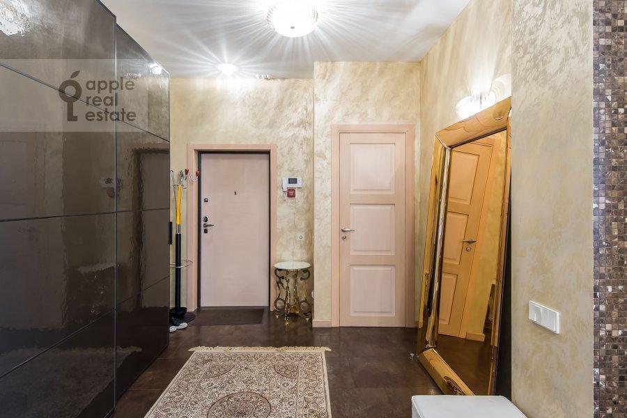 Corridor of the 3-room apartment at Michurinskiy prospekt 3