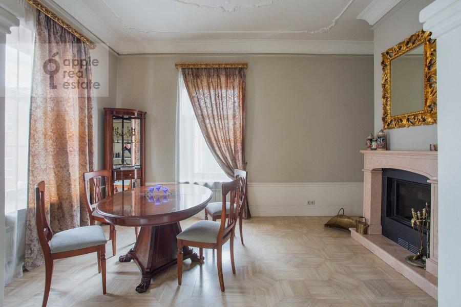Гостиная в 4-комнатной квартире по адресу Фурманный переулок 6
