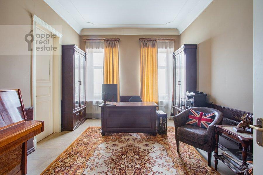 Детская комната / Кабинет в 4-комнатной квартире по адресу Фурманный переулок 6