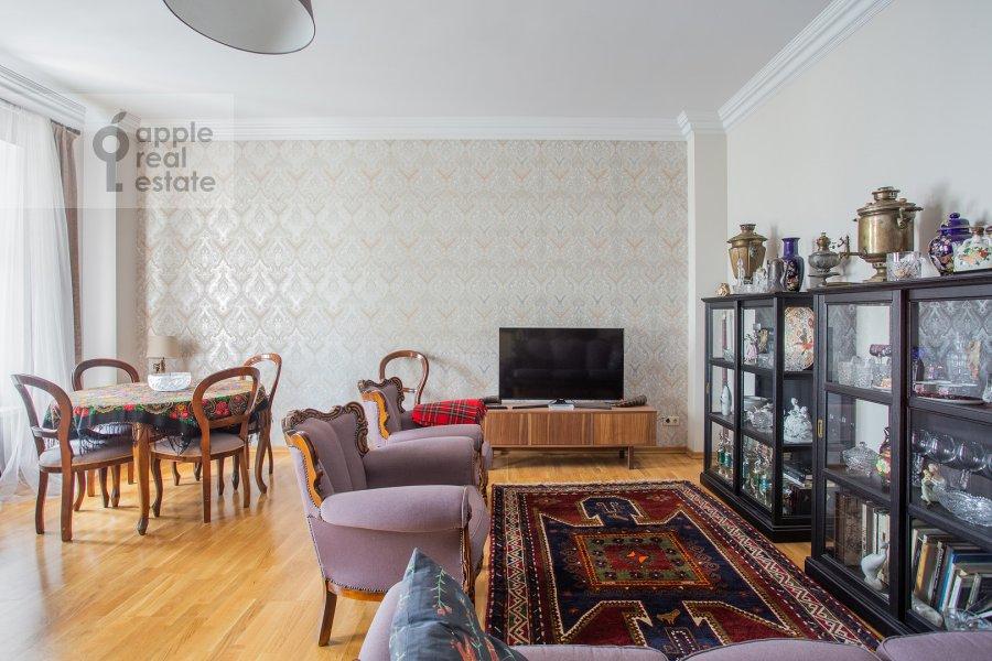 Гостиная в 4-комнатной квартире по адресу Садовая-Спасская улица 19с1