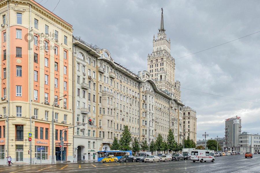 Фото дома 4-комнатной квартиры по адресу Садовая-Спасская улица 19с1