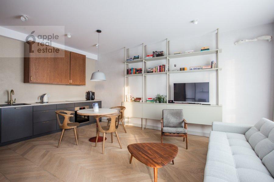 Гостиная в 2-комнатной квартире по адресу Черняховского 19к3