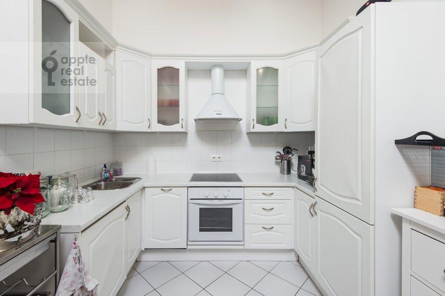 Kitchen of the 3-room apartment at Starokonyushennyy pereulok 5/14