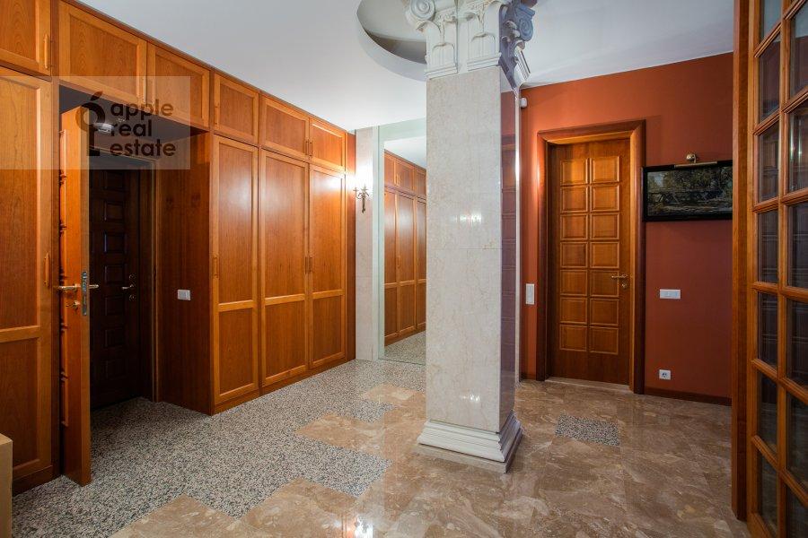 Corridor of the 4-room apartment at Zubovskiy proezd 1