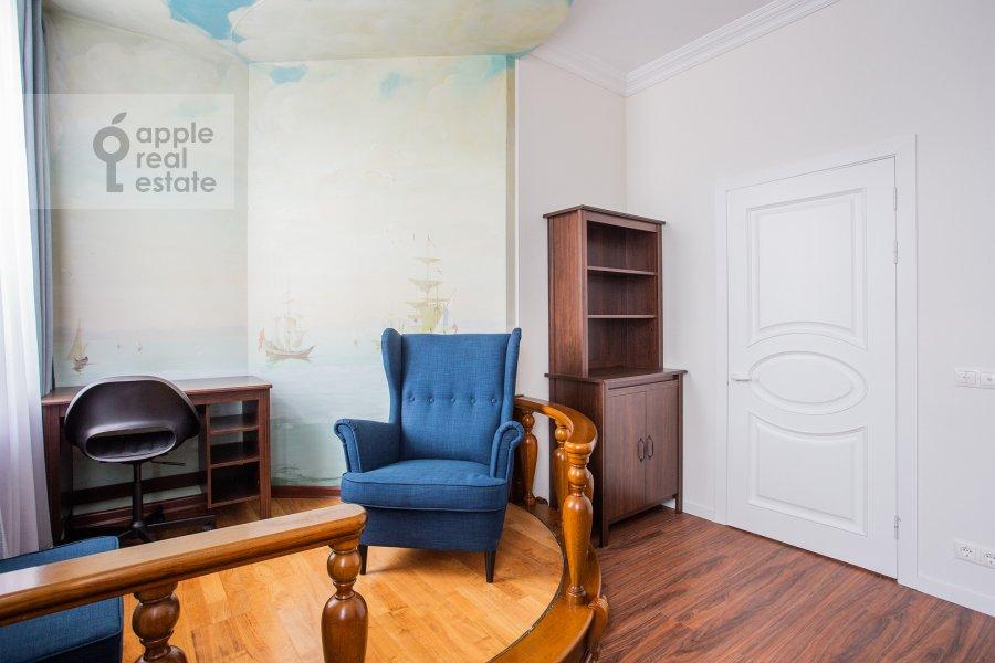 Детская комната / Кабинет в 4-комнатной квартире по адресу Мясницкая улица 17С2