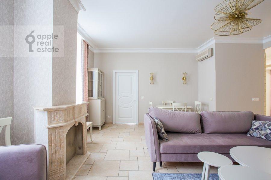 Гостиная в 4-комнатной квартире по адресу Мясницкая улица 17С2