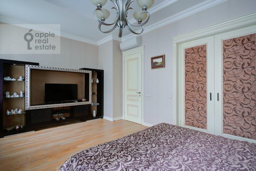 Спальня в 4-комнатной квартире по адресу Пушкарев переулок 11
