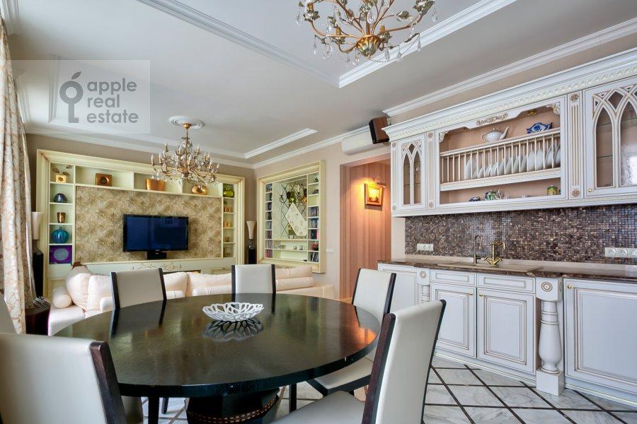Кухня в 4-комнатной квартире по адресу Пушкарев переулок 11