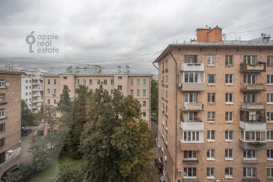 Вид из окна в 3-комнатной квартире по адресу 3-я Тверская-Ямская улица 12с3