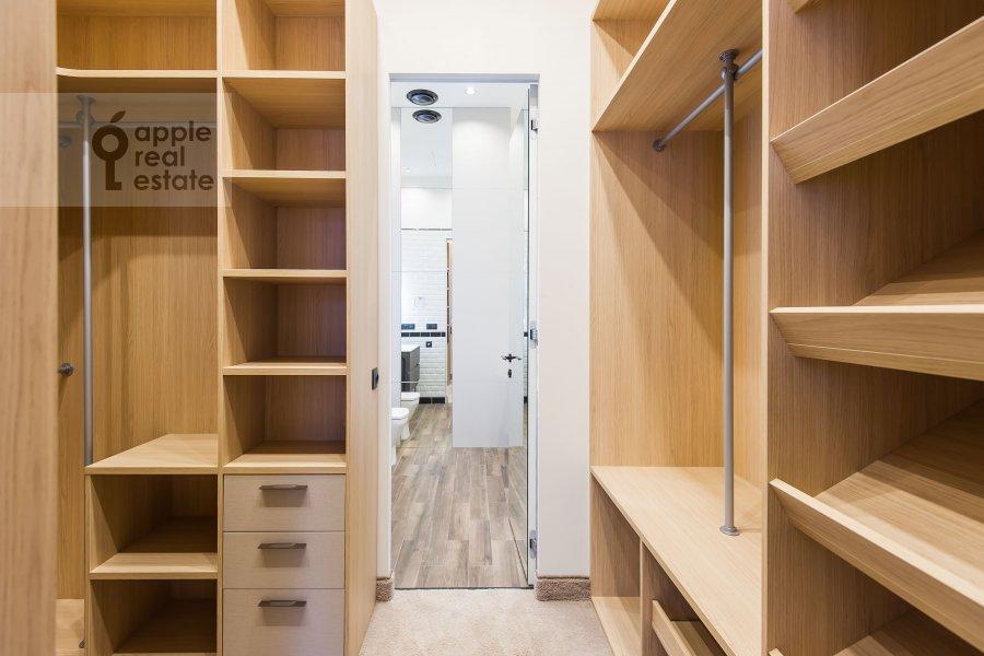 Walk-in closet / Laundry room / Storage room of the 2-room apartment at Povarskaya ulitsa 8/1k1