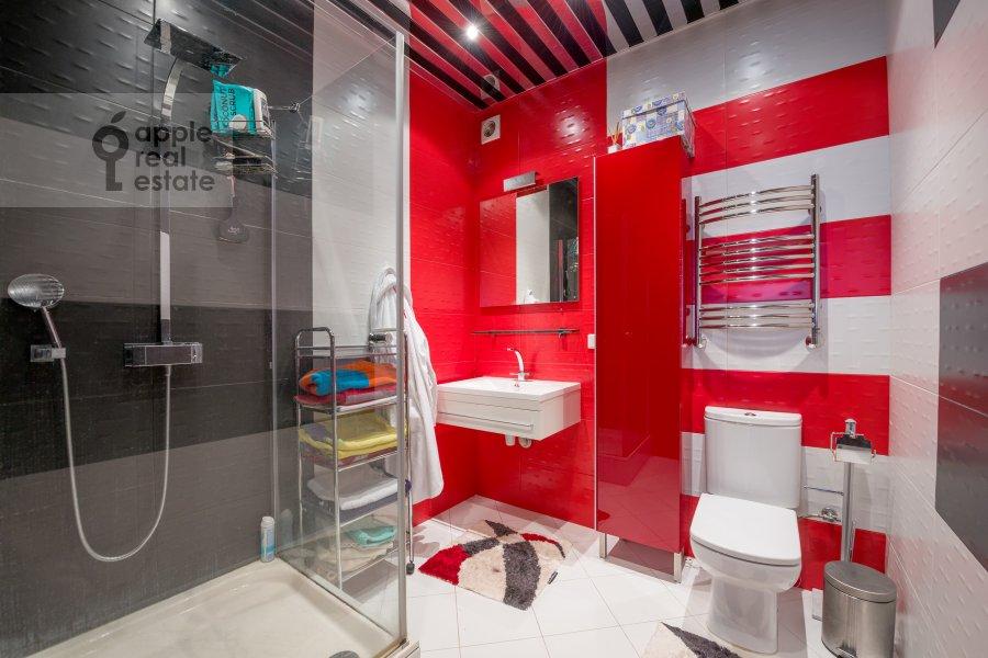 Санузел в 3-комнатной квартире по адресу улица Твардовского 14к3