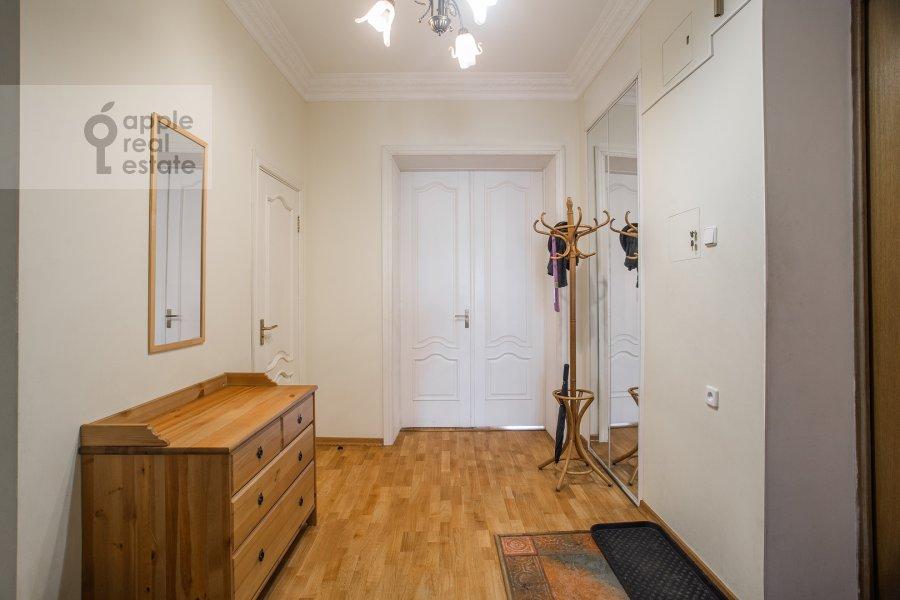 Corridor of the 3-room apartment at Tverskaya ul. 4