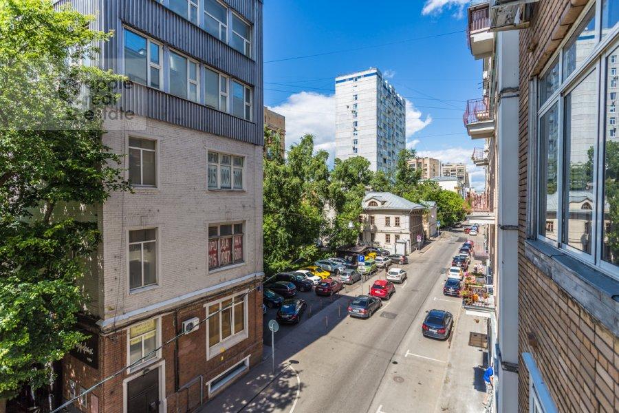 Вид из окна в 2-комнатной квартире по адресу Гагаринский пер. 6