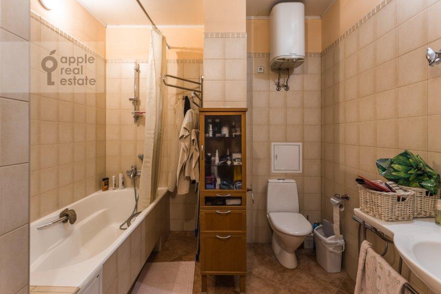 Bathroom of the 2-room apartment at Gagarinskiy per. 6