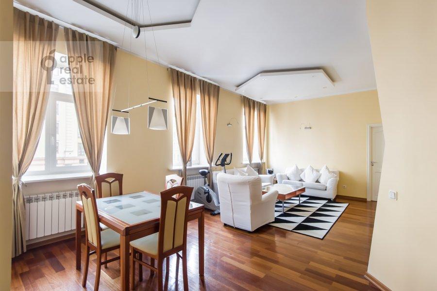 Гостиная в 3-комнатной квартире по адресу Благовещенский пер. 5