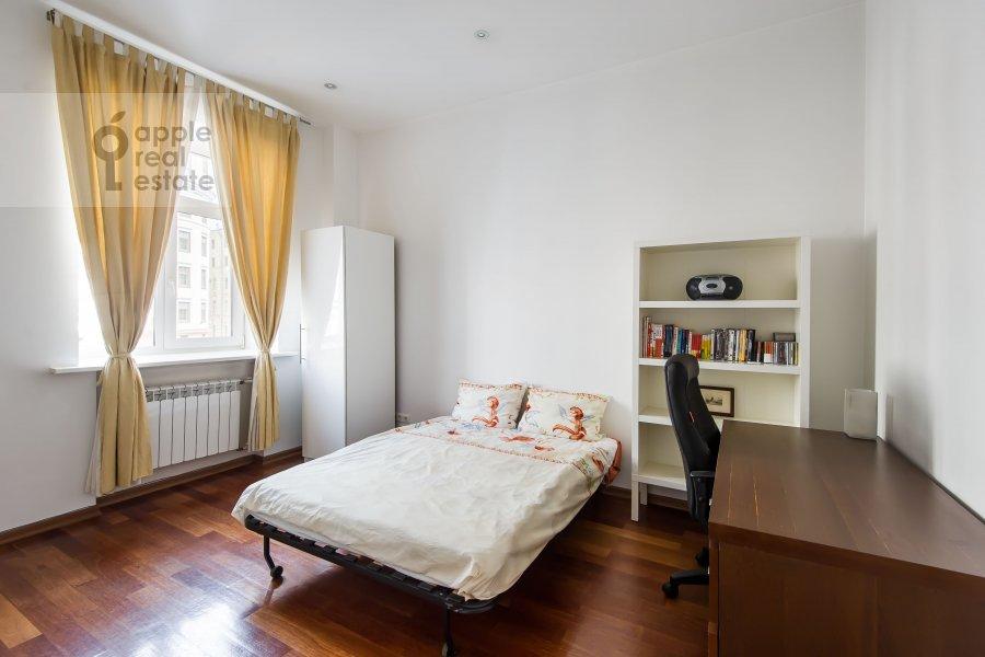 Спальня в 3-комнатной квартире по адресу Благовещенский пер. 5