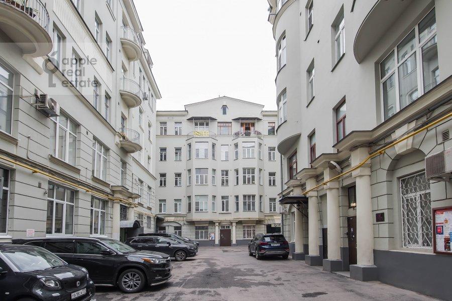 Вид из окна в 5-комнатной квартире по адресу Мясницкая ул. 15