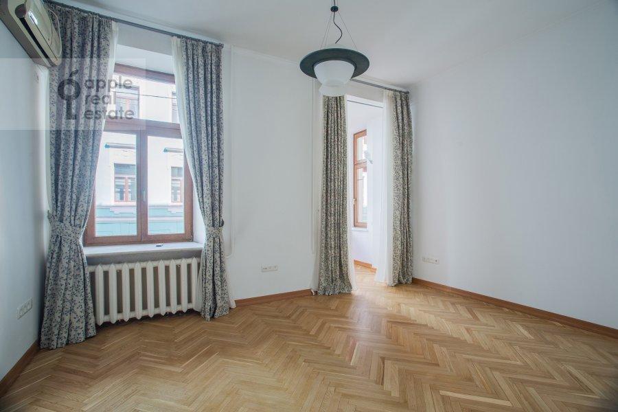 Спальня в 5-комнатной квартире по адресу Афанасьевский Большой пер. 41