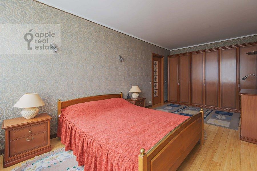 Bedroom of the 2-room apartment at Arbat Novyy ul. 10