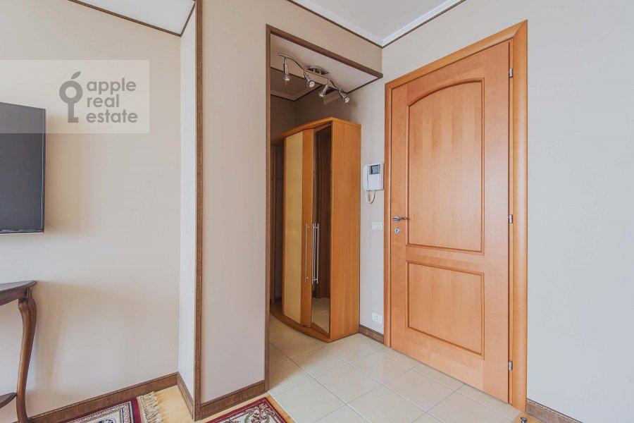 Corridor of the 2-room apartment at Arbat Novyy ul. 10