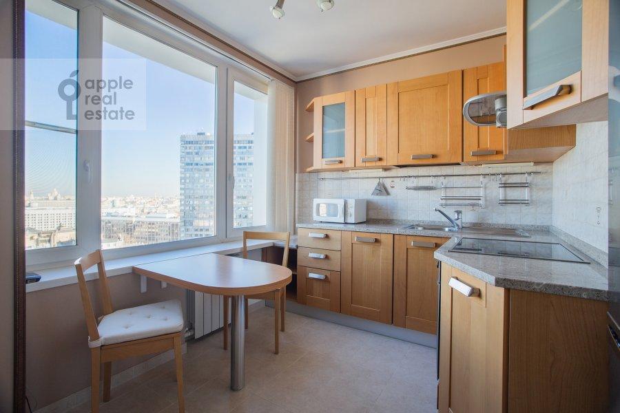 Кухня в 2-комнатной квартире по адресу Арбат Новый ул. 10