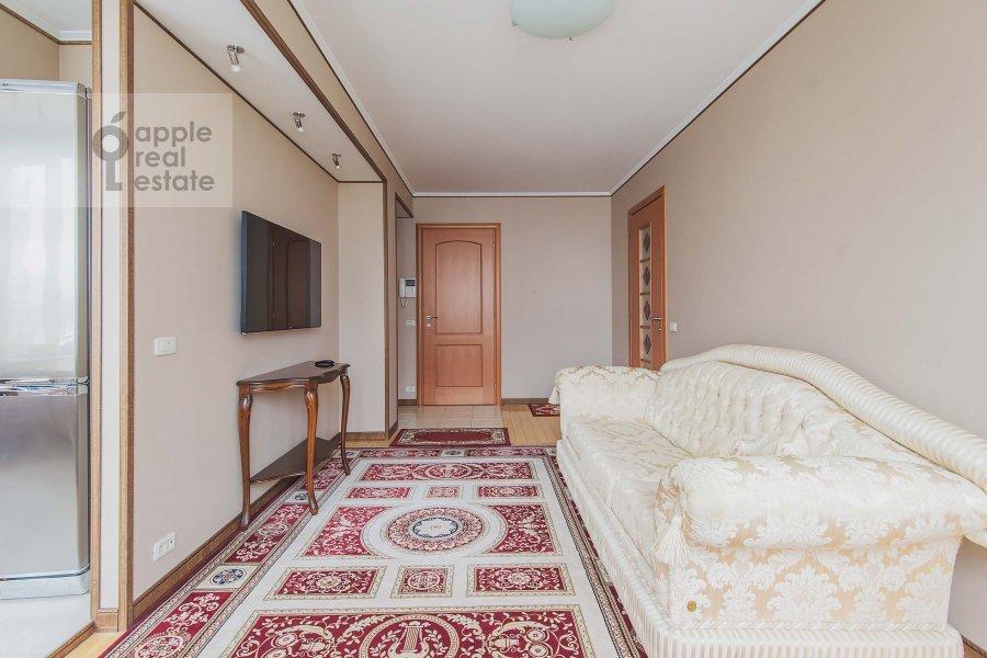 Living room of the 2-room apartment at Arbat Novyy ul. 10