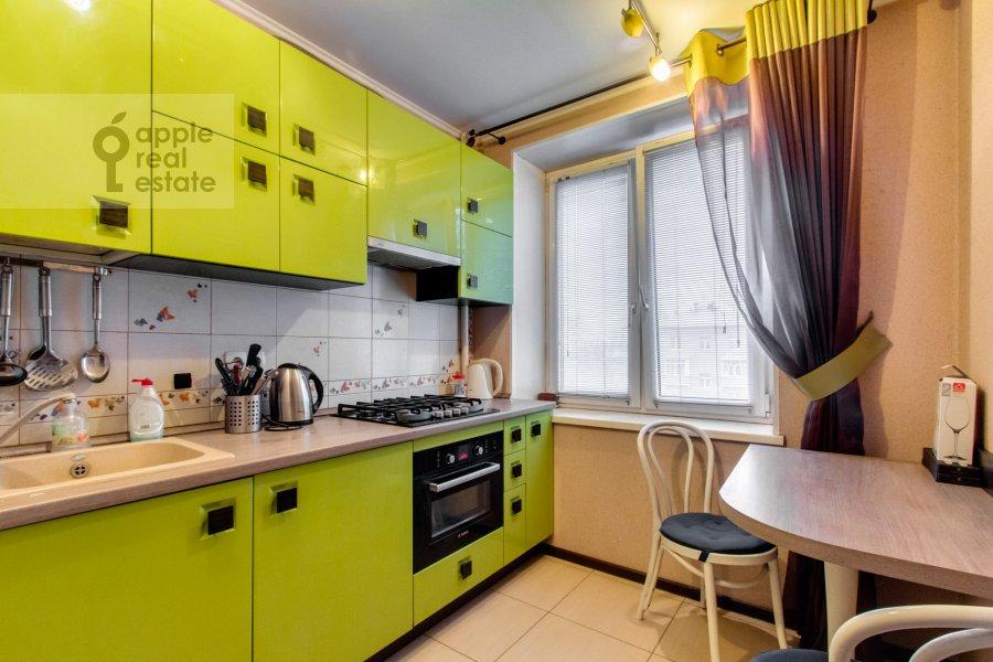 Кухня в 1-комнатной квартире по адресу Якиманка Большая ул. 52