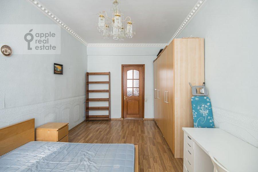Bedroom of the 4-room apartment at Milyutinskiy per. 19/4s1