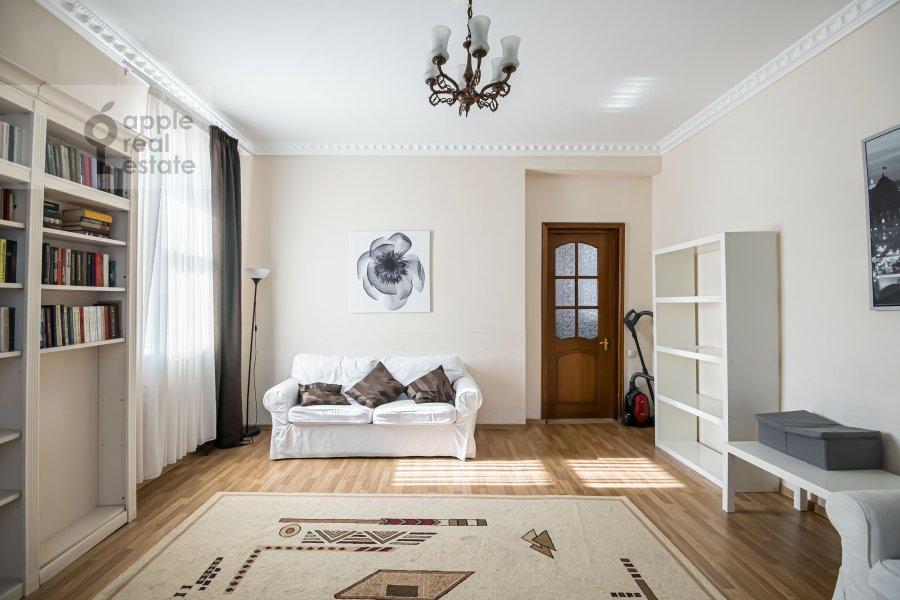 Living room of the 4-room apartment at Milyutinskiy per. 19/4s1