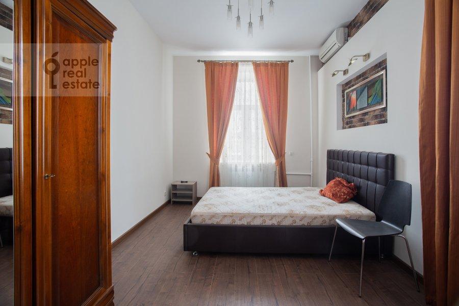 Bedroom of the 3-room apartment at Sadovnicheskaya ul. 66