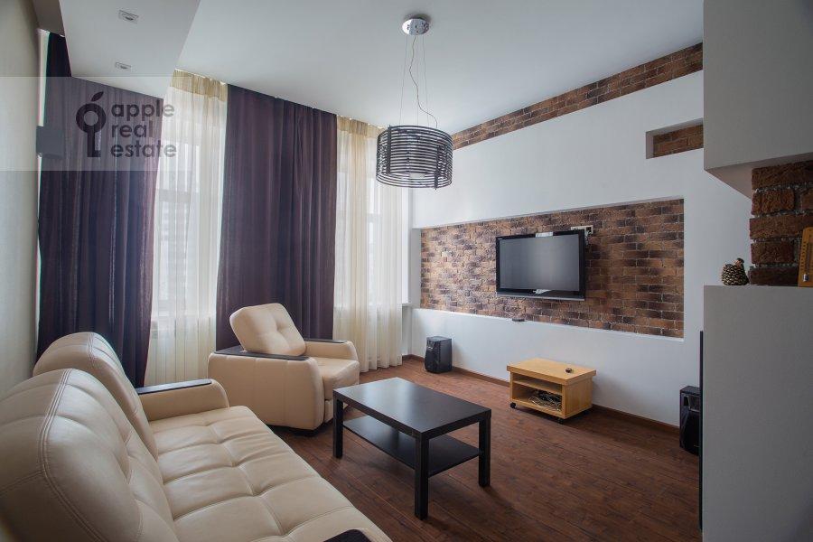 Living room of the 3-room apartment at Sadovnicheskaya ul. 66