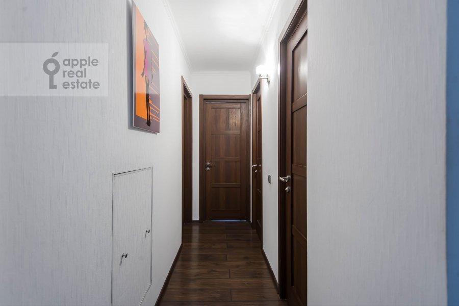Corridor of the 3-room apartment at Arbat Novyy ul. 26