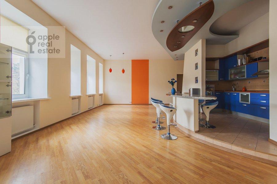 Гостиная в 4-комнатной квартире по адресу Машкова ул. 17