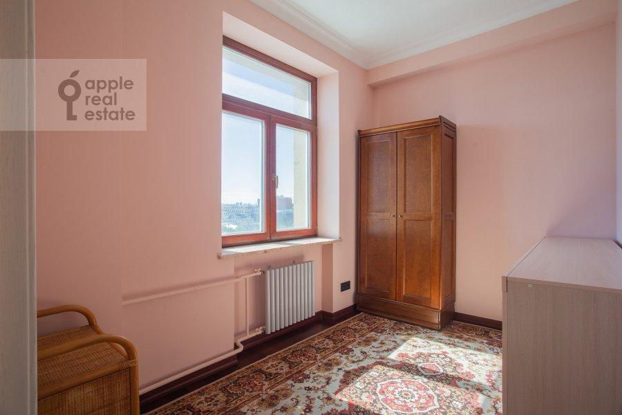 Детская комната / Кабинет в 4-комнатной квартире по адресу Тверская ул. 19